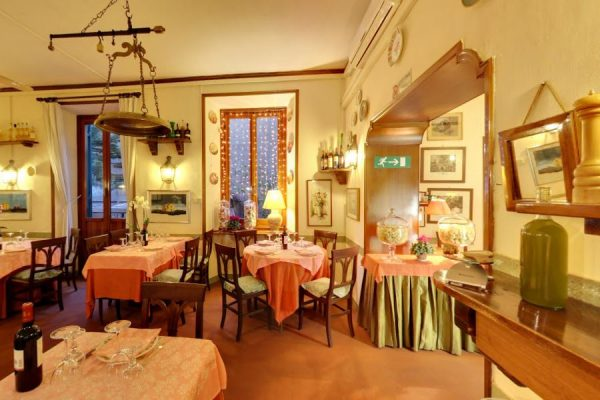 prodotti e cucina toscana in un ambiente elegante 2